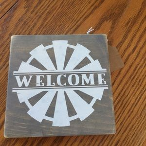 2/$20 Rustic farmhouse windmill welcome sign 5 x 5